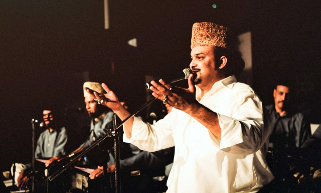 Amjad Sabri's fanbase comprises of seasoned listeners and the youth alike. He frequently performed at colleges and universities. —Photo by Shahzaib Arif Shaikh (Taken by Dawn: In photos: Amjad Sabri— The powerhouse performer)